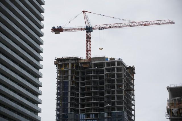 楼花投资重灾区 加拿大1.5万公寓楼花恐断尾 买家前景十分不妙