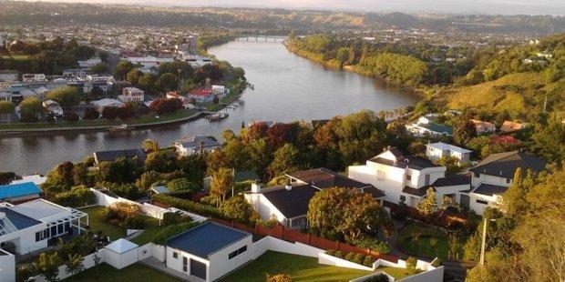 新西兰存在核心城市和其他地区完全反向的两类房地产市场