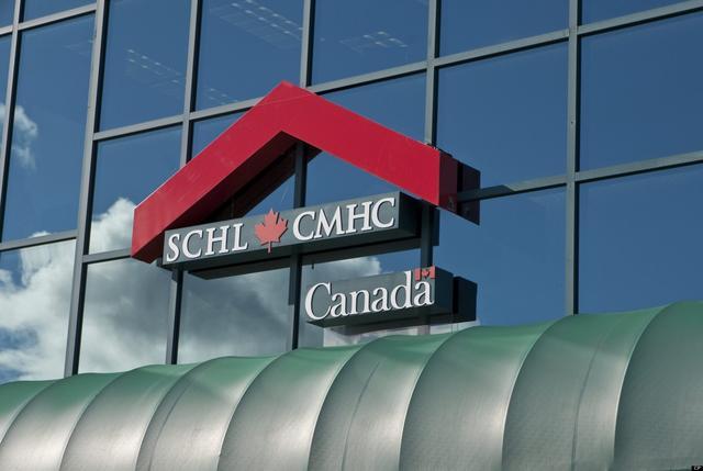 冰火两重天 甩包中国买家 加拿大房市热潮背后的危机
