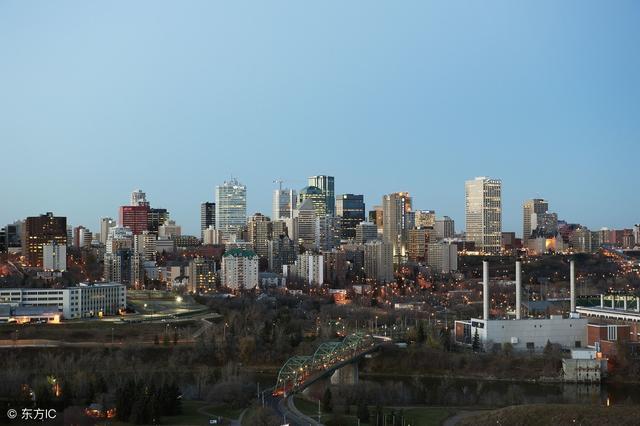 不吃不喝也养不起房的加拿大城市 楼市风光难再现
