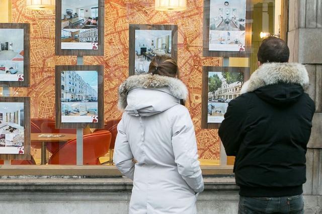 巨大差距 在英国 幸运拥有住房的人比租房的人每年省下的钱更多