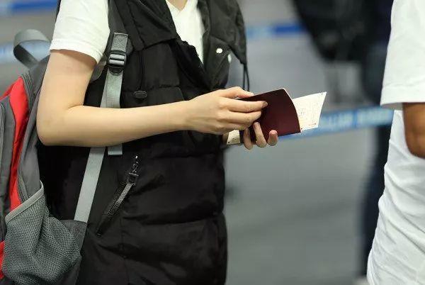 1700个签证申请,几十张Medicare卡!中国人涉重大移民欺诈案被捕!