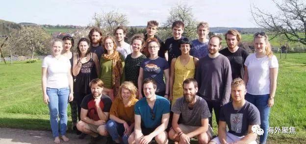 德国大学城租金太贵,学生们自建宿舍居住