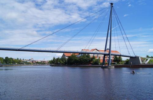 1200px-Teesquay_Millennium_Footbridge,_Stockton_on_Tees
